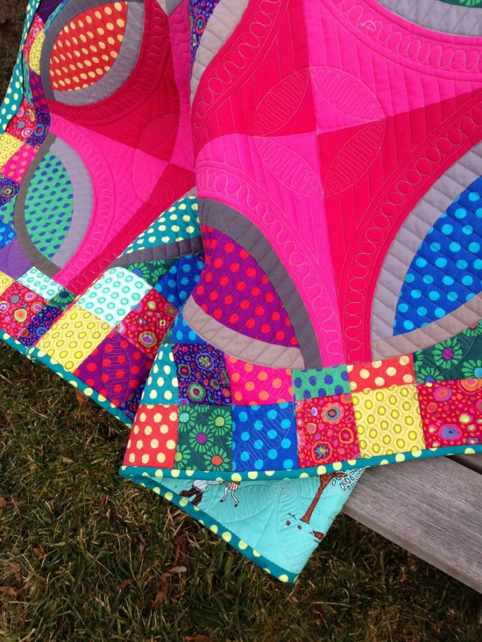 polka dot bikini quilt by sharon mcconnell, color girl quilts
