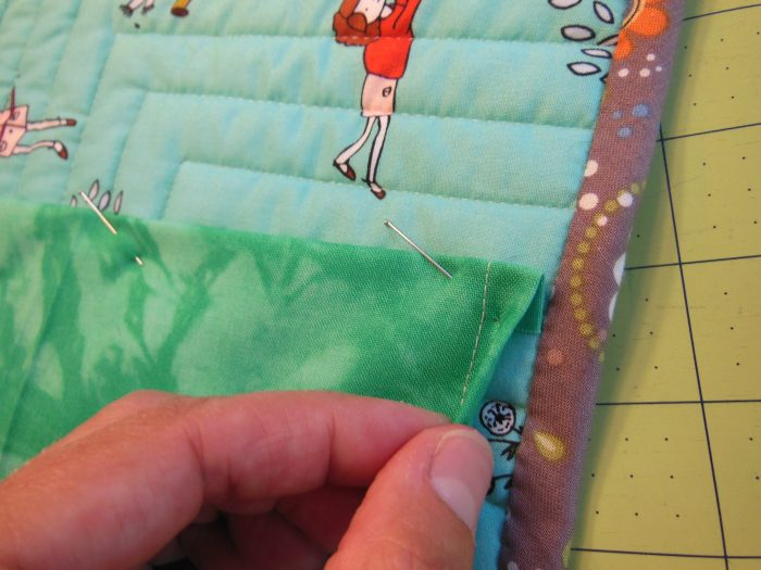 adding a hanging sleeve to a quilt