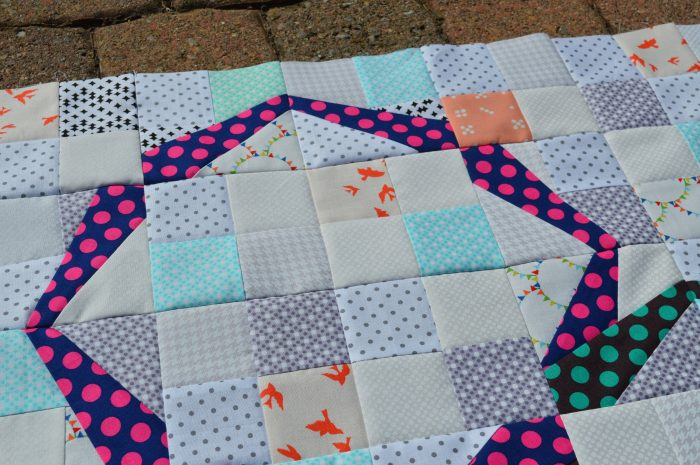 Hula Girl modern ring quilt, paper piecing patchwork, modern low volume quilt
