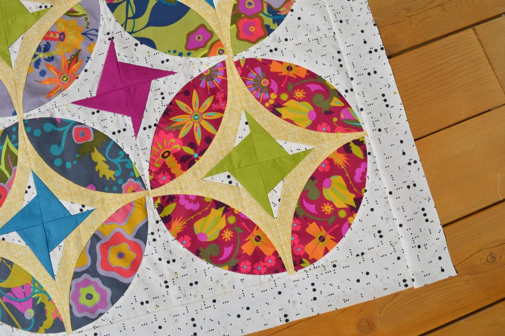 Eclipse quilt pattern, mini quilt table topper wallhanging