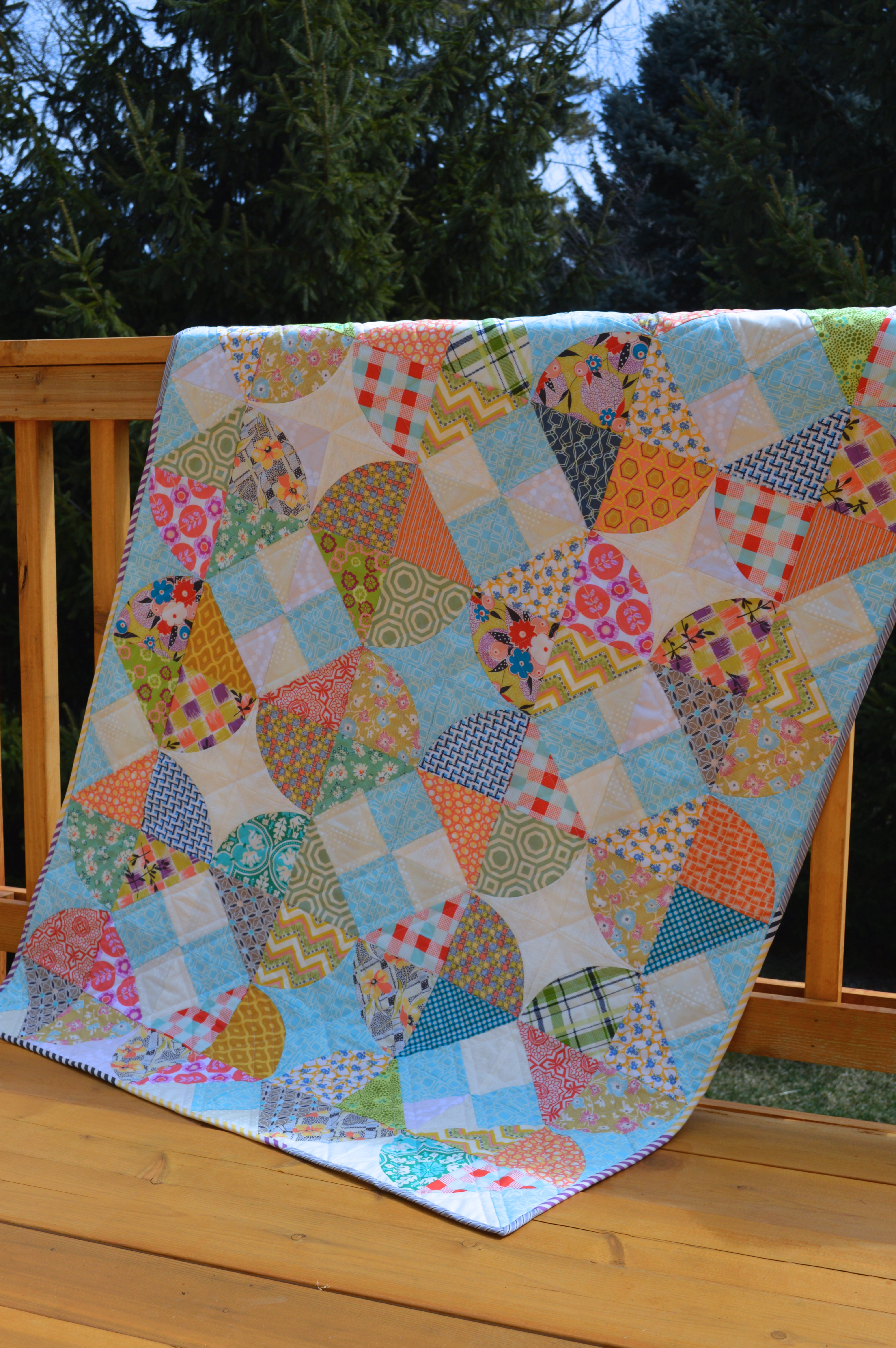 Tipsy curved piecing quilt pattern by Sharon McConnell