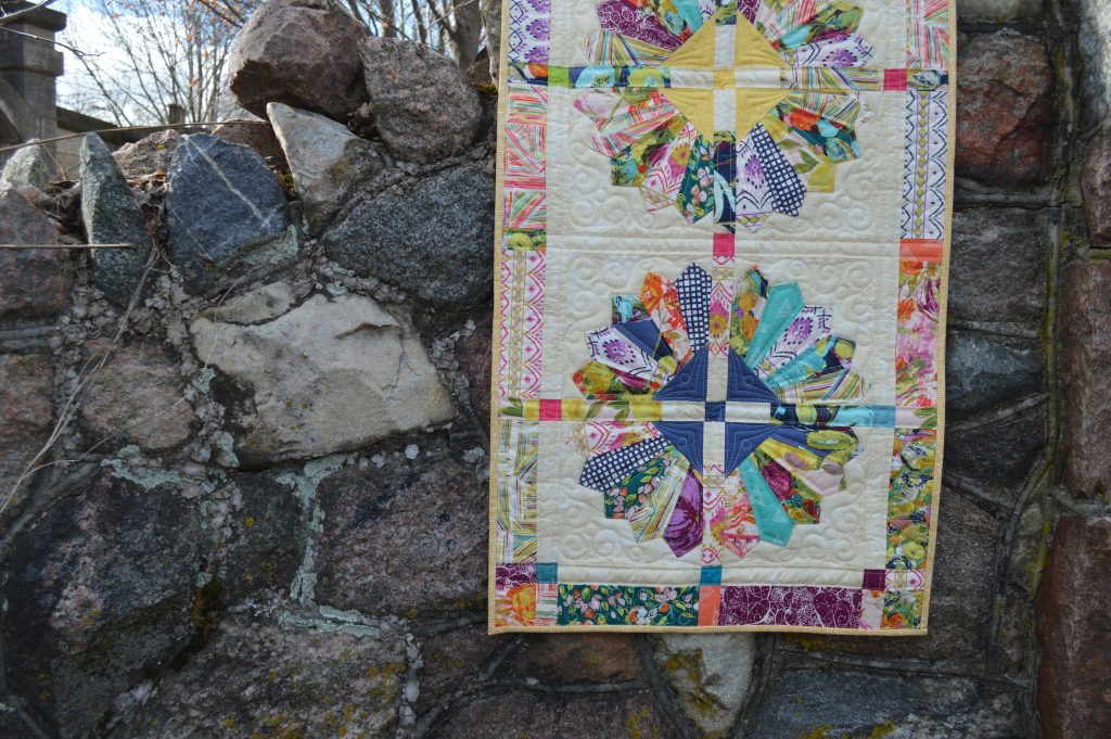 Daisy quilt pattern by Color Girl Quilts with Sage fabric by Art Gallery Fabrics