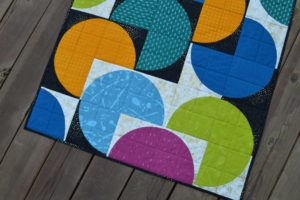 Classic Curves quilt, drunkards path mini quilt by Sharon McConnell