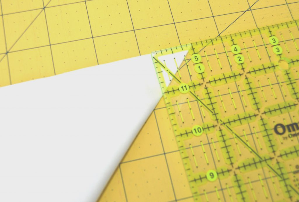 How to cut concave curve for curved piecing quilt, with Classic Curves Ruler