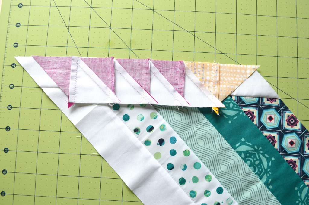 Pixie Medallion Quilt along, sewing half square triangles border for the feather star quilt block