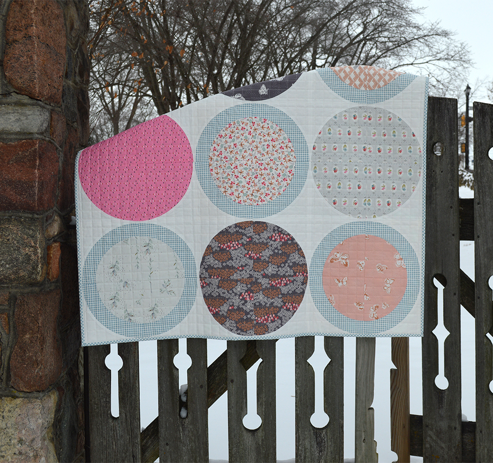 Modern curved piecing quilt pattern tutorial by Color Girl quilts