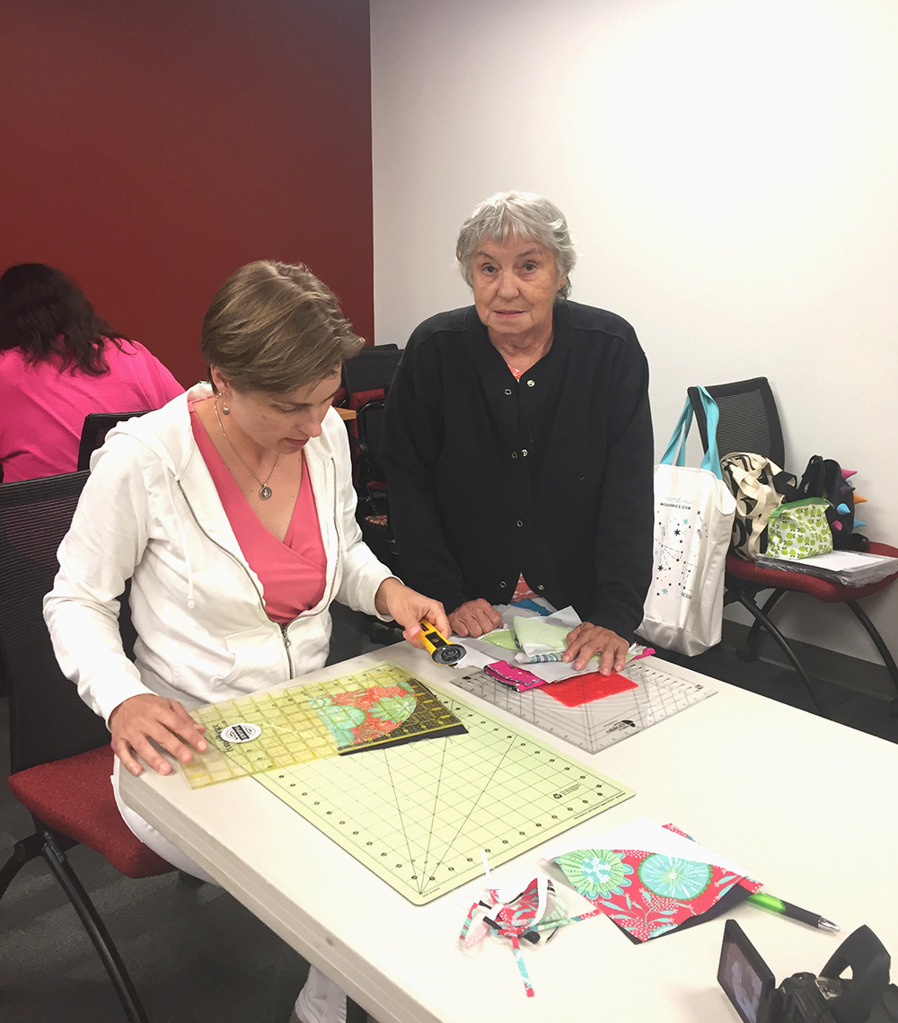 Quilting workshop with color Girl Quilts, Sharon McConnell, learning curved piecing